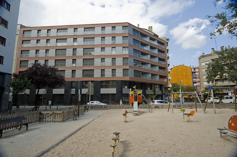 Pis de 2 habitacions molt cèntric a Girona. C/ Joan Maragall 38 5t 1a (VENUT)