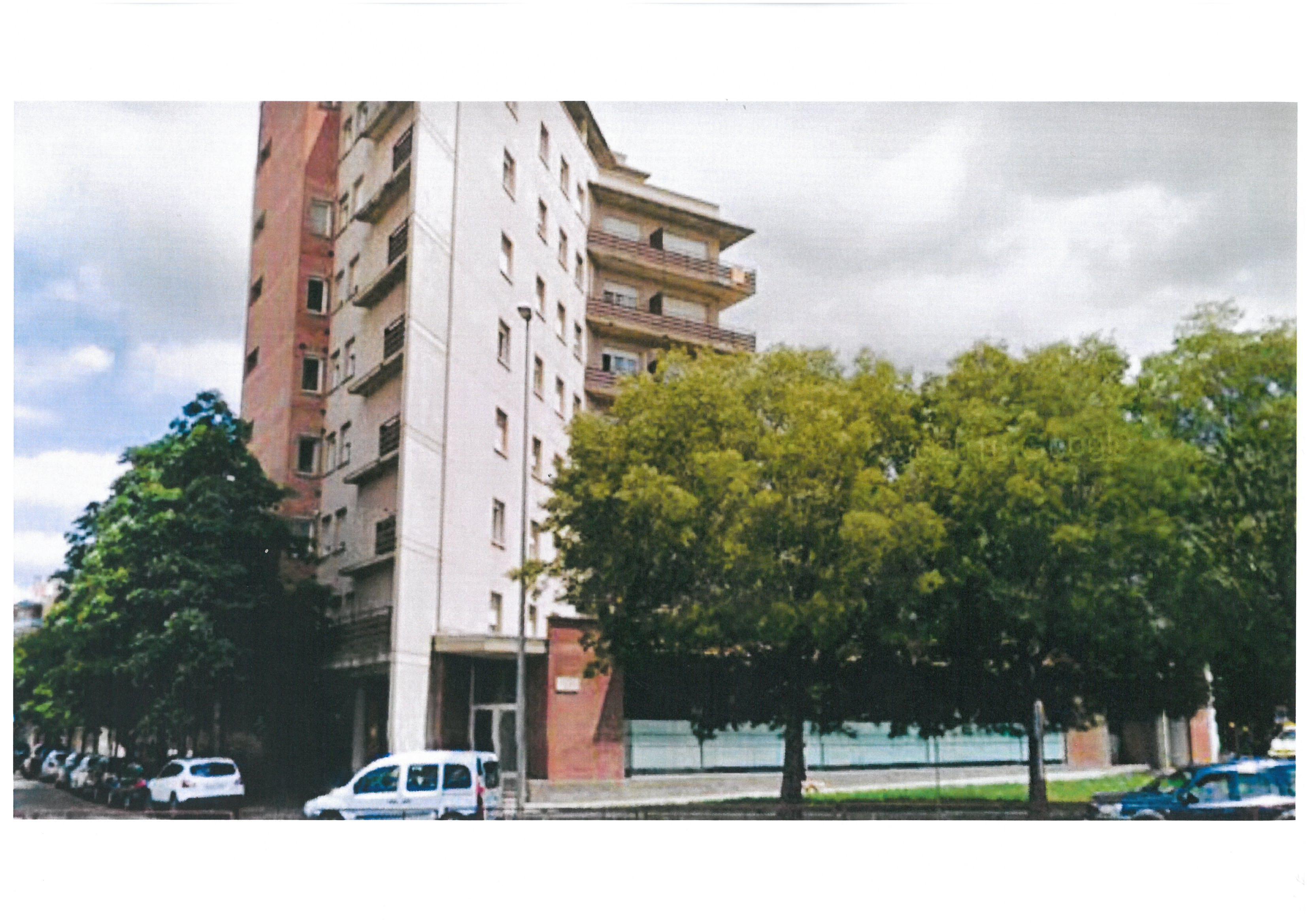 Local de Lloguer ubicat al c/ Riu Güell cantonada c/ Avda. President Josep Tarradellas i Joan cantonada c/ Bernat Boadas 92